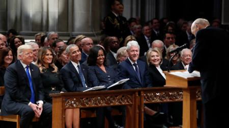 Доналд Тръмп, Мелания Тръмп, Барак Обама, Мишел Обама, Бил Клинтън, Хилари Клинтън и Джими Картър на погребението на президента Джордж Буш-старши - 5 декември 2018 в Националната катедрала във Вашингтон