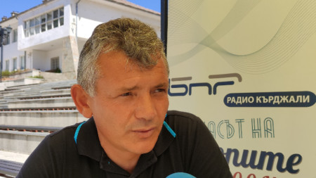 Асен Белев
