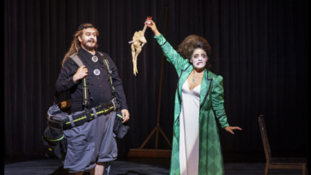 """Сцена от """"Палячи"""" на Руджеро Леонкавало, постановка на Националната опера в Амстердам"""