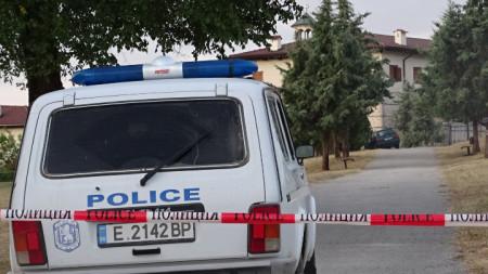 От манастира не е откраднато нищо, уточняват от полицията.