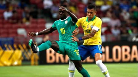 Сенегалецът Мане е изпреварил Алвеш.