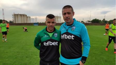 Емил Гъргоров (вляво) с треньора Енгибар Енгибаров.