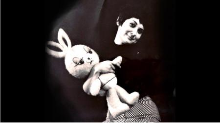 Йова Кузманова е сред учредителите на Кукления театър в Бургас