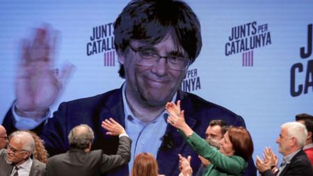 Карлес Пучдемон водеше кампанията си в Испания чрез видеоконферентна връзка.