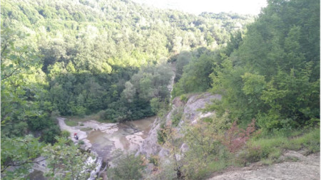 Местността Раюв камък в Еленския балкан
