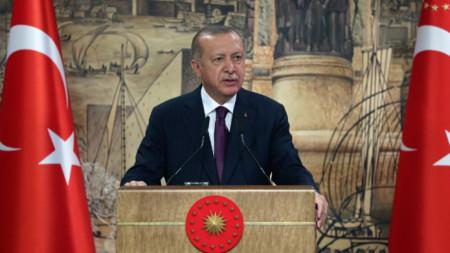 Турският държавен глава Реджеп Ердоган анонсира новото турско газово находище в Черно море. 21 август, 2020 г.
