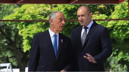 Marcelo Rebelo de Sousa (i.) y Rumen Radev