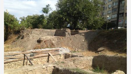 Археологически разкопки в Лом