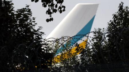 Самолетът с украинските затворници излетя от летище