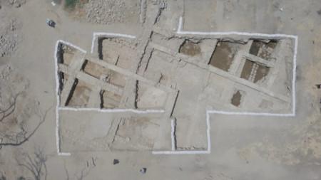 Снимка от въздуха към останките от църква  в Галилея, за която се смята, че е издигната на мястото, където е била къщата на апостолите Петър и Андрей.