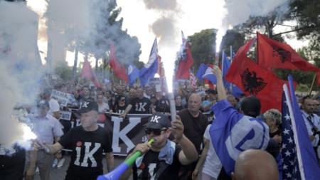 Поредният протест на опозицията в Тирана, на който се стигна до сблъсъци с полицията.