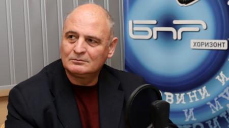 Проф. Николай Радулов