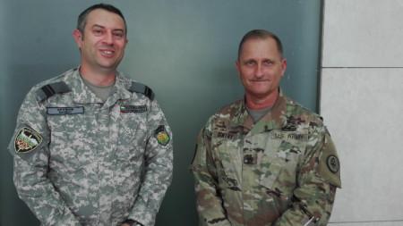 Калин Крумов (вляво) и Майкъл Джентри