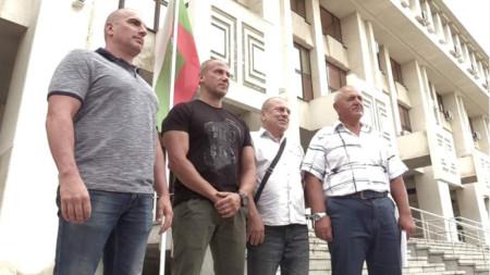 Турският наказателен съд в Къркларели поиска 4-мата български гранични полицаи, обвинени за смъртта на турски бракониер да бъдат обявени за издирване с червена бюлетина на Интерпол.