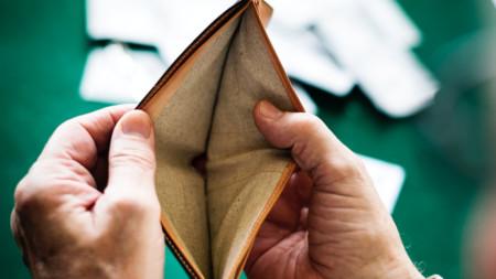 Не е задължително да си беден, за да попаднеш в списъка на лошите длъжници