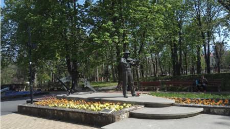 Паметникът на Тодор Колев в Шумен