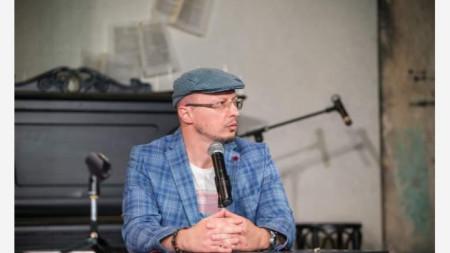 Николай Колев