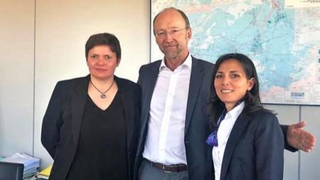 """Малина Крумова (вляво) до  Матю Болдуин, зам.-генерален директор на ГД """"Мобилност и транспорт"""" в Брюксел."""