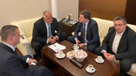Премиерът Борисов разговаря с кмета на Перник Станислав Владимиров