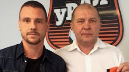 Николай Димитров ще завърши кариерата си в Урал.