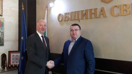Росен Желязков и кметът на Свищов Генчо Генчев