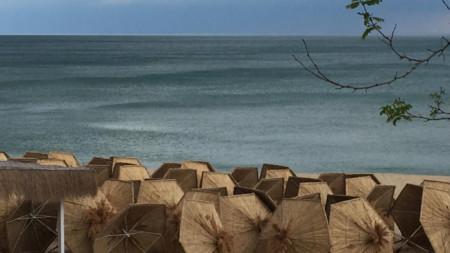 Плаж по време на коронавирус епидемия