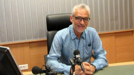 Н. Пр. г-н Моайад Елдали, извънреден и пълномощен посланик на Арабска република Египет в студиото на предаването.