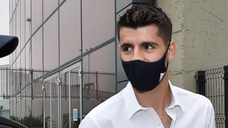 Алваро Мората при пристигането си в Торино за медицинските прегледи.