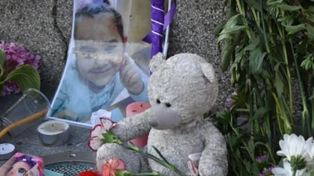 Гражданско бдение в Сливен в подкрепа на семейството на убитата Кристин.