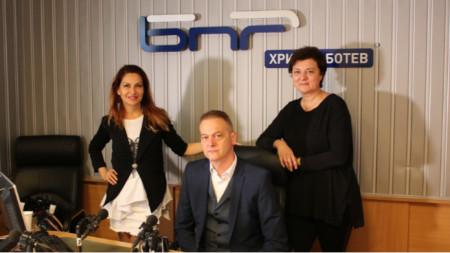Ива Дойчинова, Николай Неделчев и Мария Василева (отляво надясно)