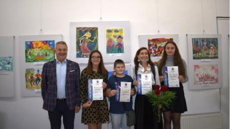 Златко Живков награди част от победителите