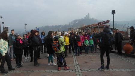 Великотърновци започнаха новата година с пешеходен туризъм