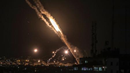 Ракети, изстреляни от Ивицата Газа към Израел.