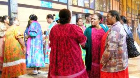 """Културата и езиците """"канак"""" са традиционни за местното население на френската отвъдморска територия Нова Каледония"""