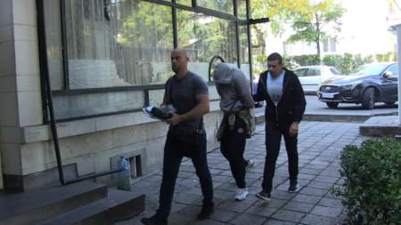 Един от задържаните при специализираната операция в Бургас.