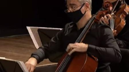 """Станимир Тодоров свири в """"100 години Пиацола"""" в Буенос Айрес, 10.3.2021"""