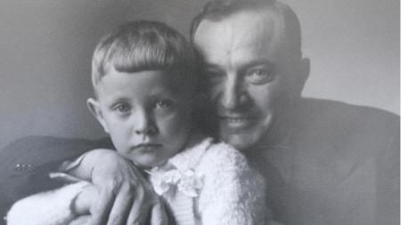 Иван Багрянов със сина си Михаил