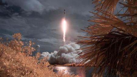 Мисията на НАСА SpaceX Demo-2 е първото изстрелване с астронавти на космически кораб до Международната космическа станция като част от търговската програма на агенцията