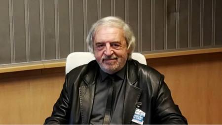 проф. Лъчезар Аврамов