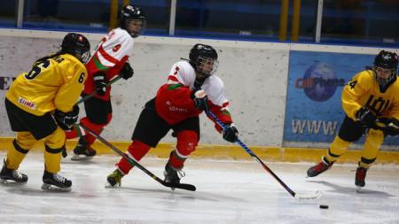 Българките пречупиха Литва с два гола на Тина Лисичкова.