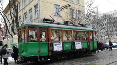 Празничен ретро трамвай ще се движи по софийските улици до края на седмицата