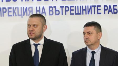 Георги Хаджиев и Христо Терзийски дадоха брифинг по повод обира на банка днес, 12 февруари.