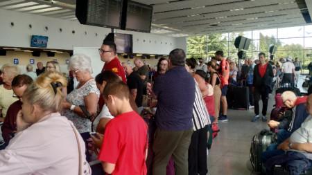 Първите израелски туристи трябва да кацнат днес на бургаското летище.