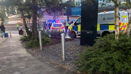 Съмнения за бомба на гарата на летището в Манчестър