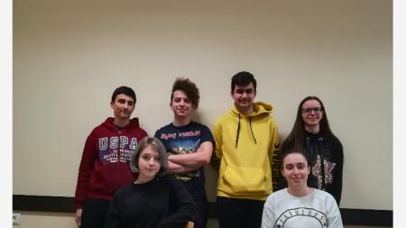 Ученици от кръжока по математическа лингвистика в ППМГ