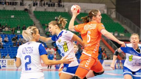 Лаура ван дер Хайден вкара победния гол за Холандия срещу Русия.