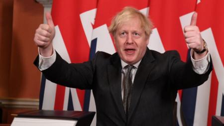 Борис Джонсън подписа търговската Брекзит сделка с ЕС