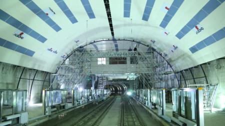 Новите станции ще имат паравани на пероните