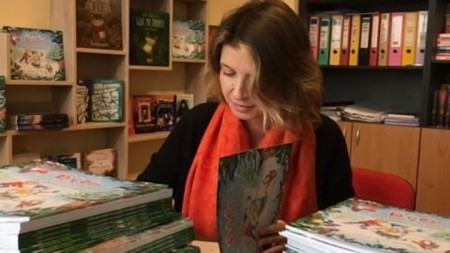 Юлия Спиридонова-Юлка с новата коледна книжка