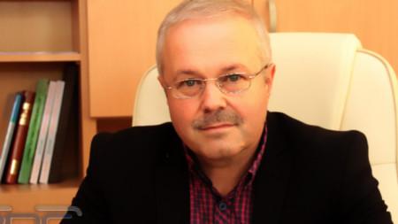д-р Виктор Кирчев, директор на РЗИ
